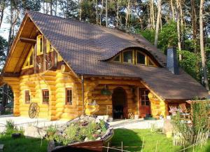 Дизайн дома максимально приближен к природному