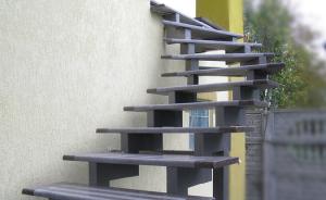 Оригинальная лестница их металла