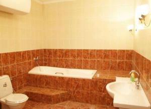 Отделка ванной кафелем