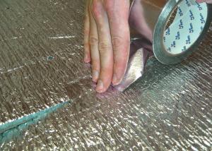 Пеноплекс под фольгированным утеплителем с лавсановым покрытием
