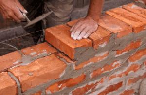 Возведение кирпичной конструкции