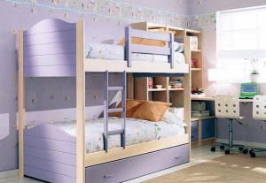 Двухэтажная кровать экономит пространство