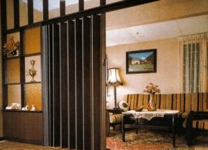 Двери гармошкой