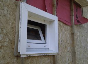 Монтаж сайдинга вокруг окна