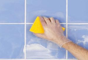 Чем очистить плитку от затирки