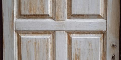 Старая деревянная дверь