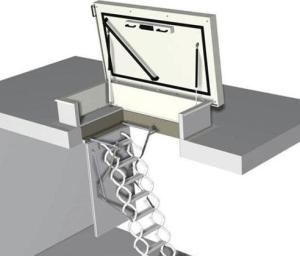 Пожарный люк со складной лестницей
