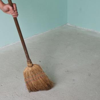 Как подготовить пол под ламинат в частном доме, потратив минимум времени и средств