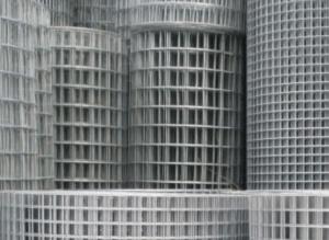 Пластиковая садовая сетка для забора: преимущества, монтаж и сфера использования