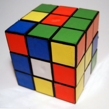 Как рассчитать объем куба: применение математических формул для строительных работ