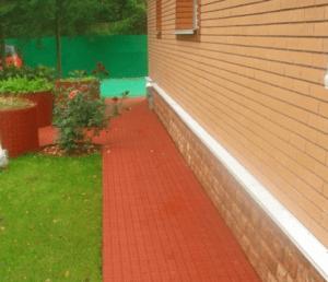 Мягкая отмостка вокруг дома: общая информация о разных видах конструкций и пошаговое описание строительства