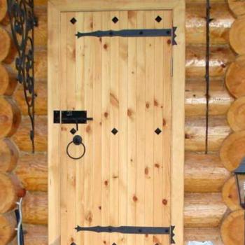 Двери входные деревянные для бани: виды и самостоятельное изготовление