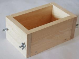 Форма для бордюрного элемента
