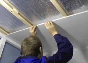 Ремонт потолка пластиковыми панелями своими руками