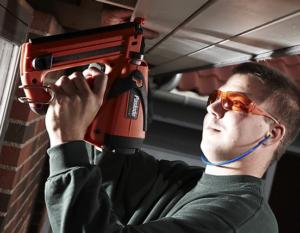 Монтажный гвоздезабивной пистолет