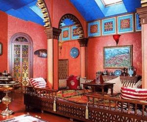 Декор стен штукатуркой в марокканском интерьере