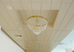 Панели МДФ на потолке