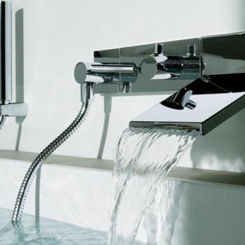 Почему высота смесителя над ванной должна быть нормативной