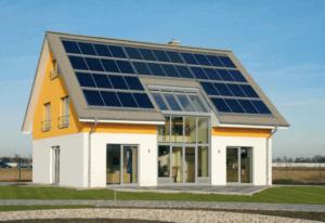 Солнечные батареи на крыше пассивного дома