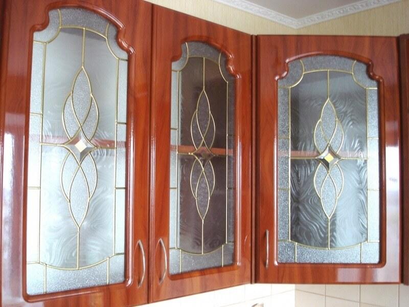Витражи для кухонных фасадов: дизайн кухни.