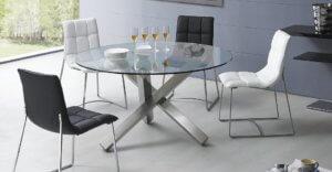 Стеклянный стол в интерьере