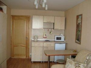 Интерьер комнаты в общежитии: мебель, свет, декор