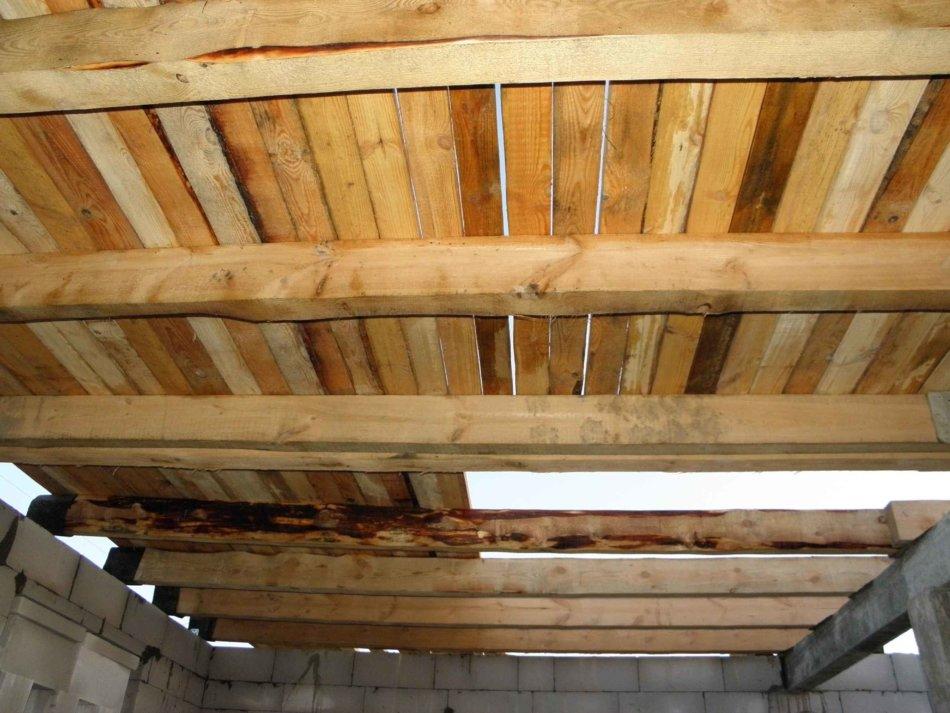Как сделать потолок по перекрытиям 26
