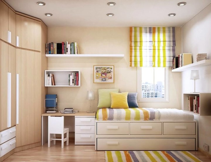 Светодизайн в комнате в общежитии