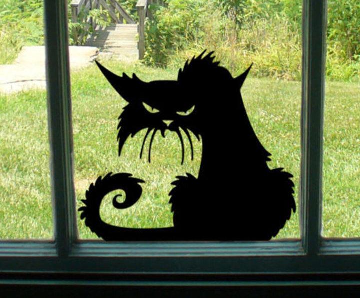 Наклейка на окне