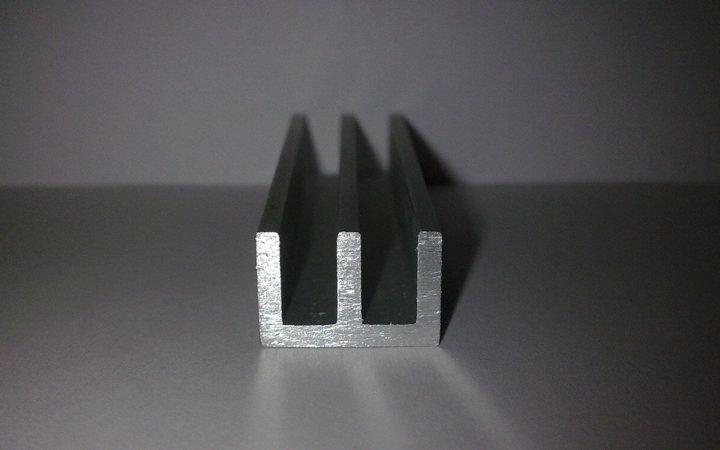 Ш-образный алюминиевый профиль