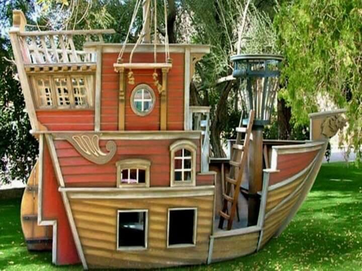 Домик-корабль