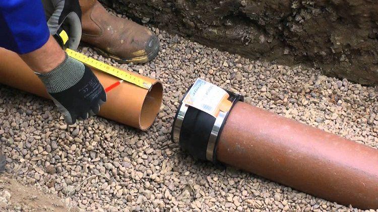 Монтаж керамических труб для канализации