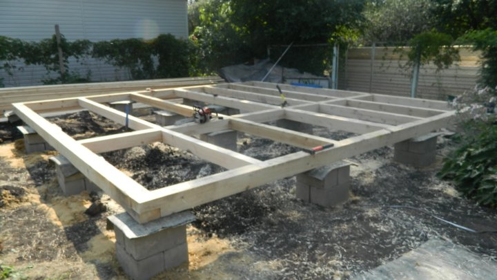 Столбчатый фундамент из бетонных блоков