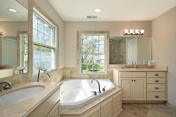 Размещение ванны и раковины в частном доме