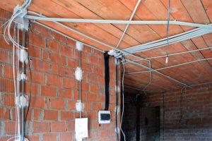 Схема электропроводки в деревянном доме: особенности создания проекта