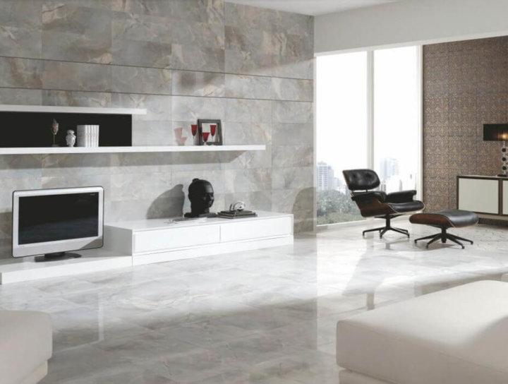 Керамическая плитка на стенах в гостиной