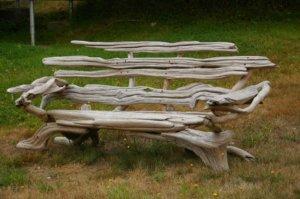 Интересная скаммечка из натурального дерева