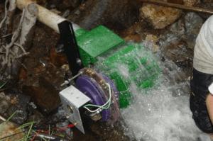 Энергия воды превращается в электричество