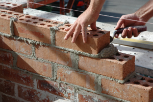 Возведение стен - важнейший этап в строительстве