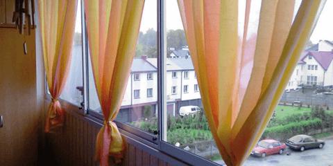 Легкие цветные шторы
