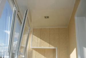Отделка балкона изнутри