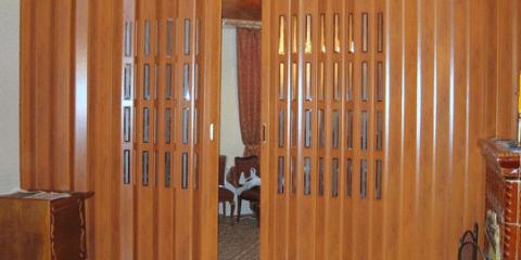 Дверь гармошкой в интерьере