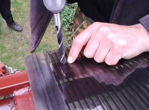 Крепление к металлическому профилю