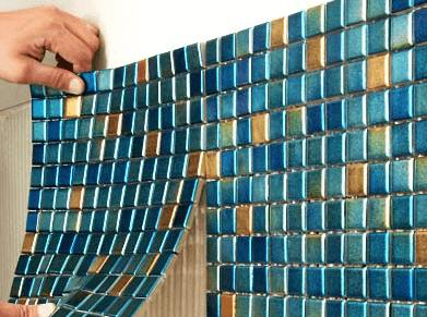 Как класть мозаичную плитку или удивительное превращение помещения