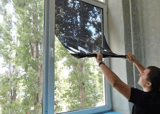 Защитная плёнка от солнца на окна – изделие для защиты квартиры от инфракрасного и УФ излучения