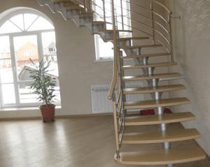 Поворотная лестница с открытыми ступенями