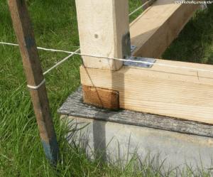 Вертикальное крепление бруса