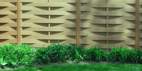 Классический плетеный забор из доски