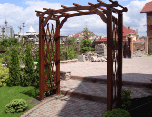 Деревянная арочная конструкция
