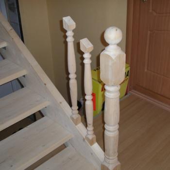 Деревянные лестницы в доме: как осуществить крепление балясин к тетиве комфортно, удобно и безопасно